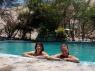 Met Claire in het zwembad
