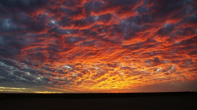 Out-back zonsondergang, hoe mooi!!
