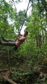 whoehoeoeoe, slingeren in de jungle!!