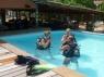 Eerste duikpoging in het zwembad